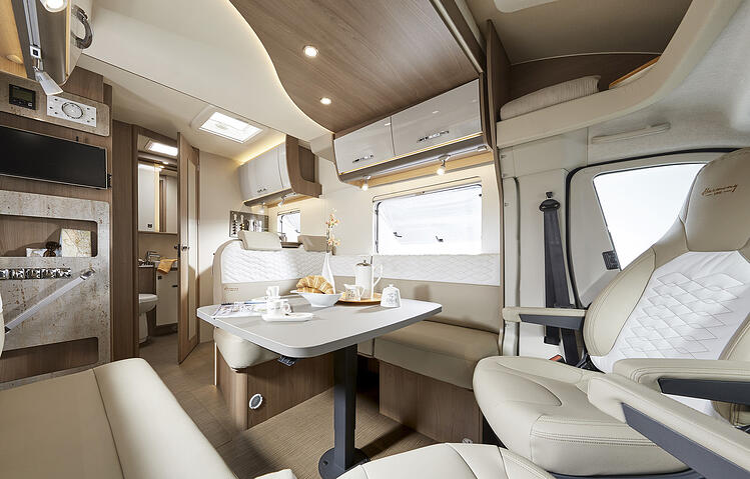SmartRV-Lyseo-it744-interior-lounge