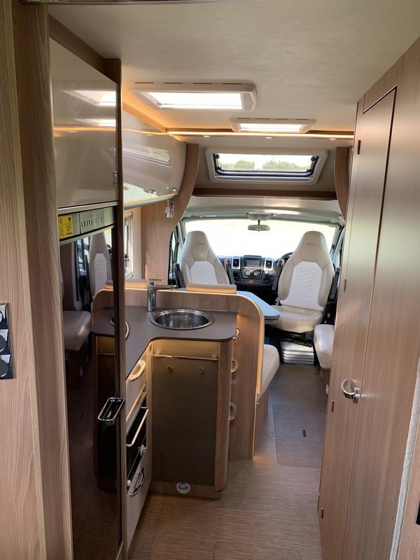 Lyseo T734 | 2 Berth 2018 Motorhome For Sale NZ | SmartRV - Interior #4